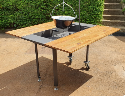 Party grill table for 4 people